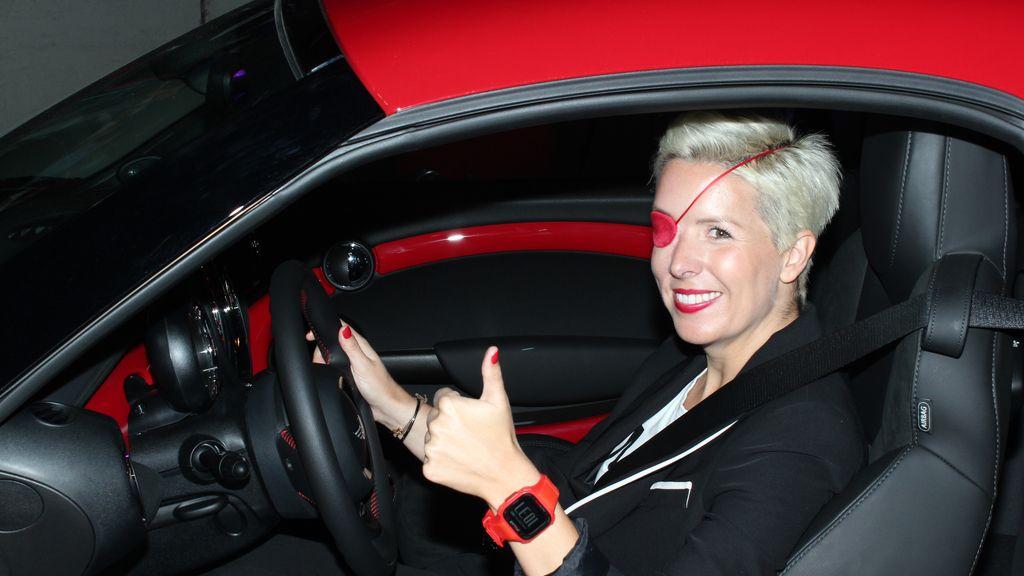 "La ex piloto de Fórmula 1 en la presentación de carrera ""Mini Metro Race"""