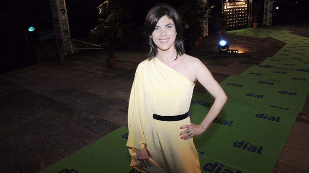 La presentadora Samantha Villar a punto de disfrutar de una estupenda noche de música