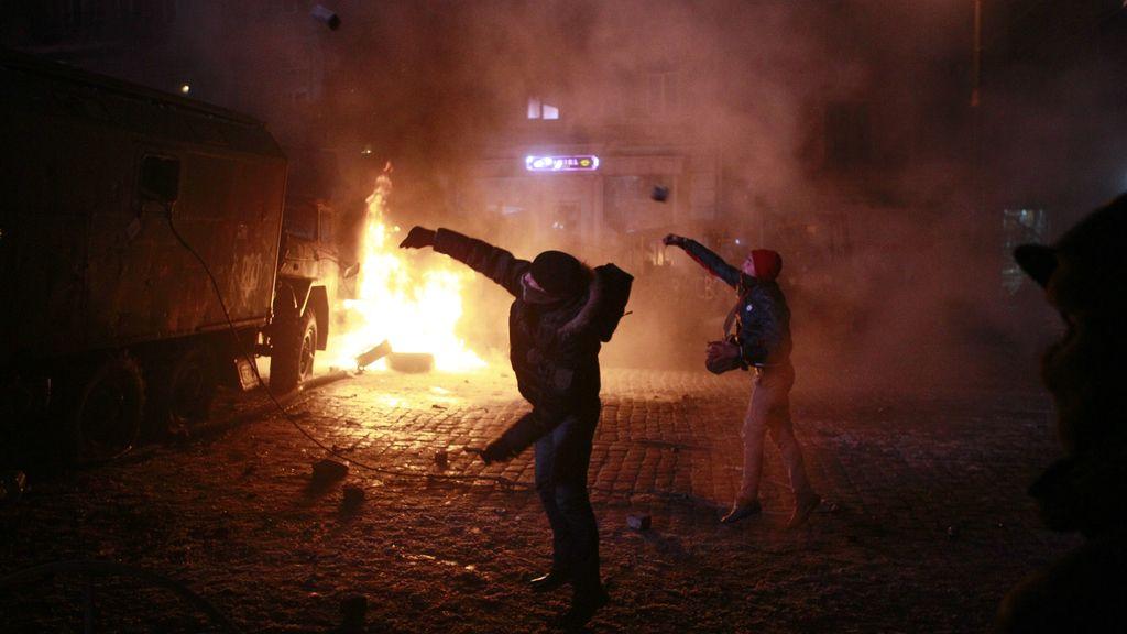 Un centenar de heridos en las protestas contra el Gobierno de Yanukovich en Kiev