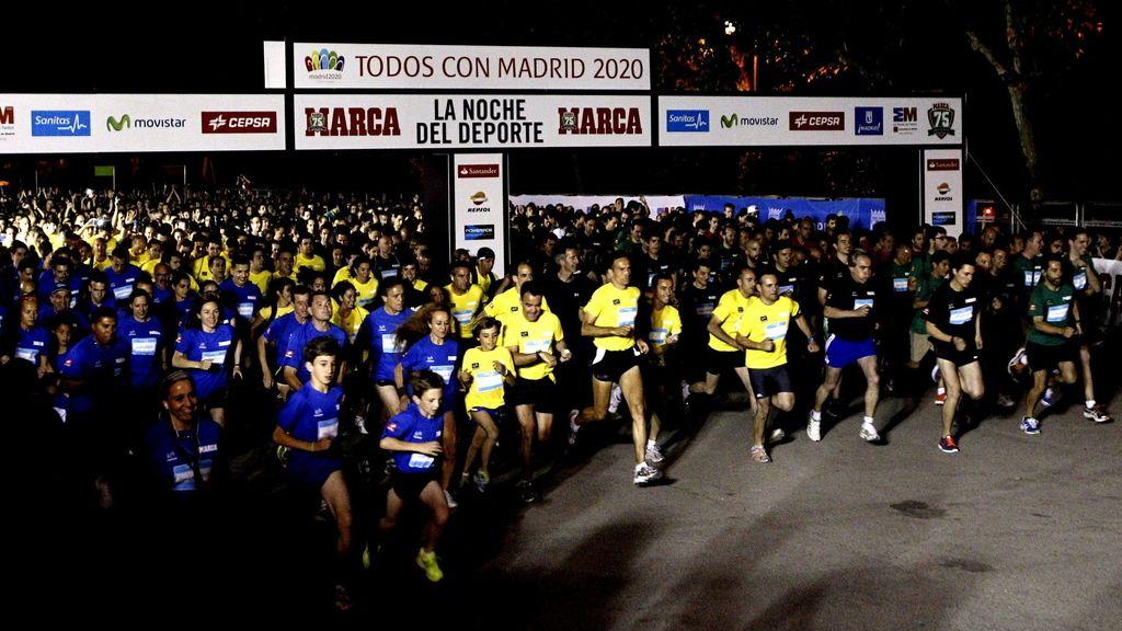 Más de 50.000 madrileños inundan las calles en La Noche del Deporte
