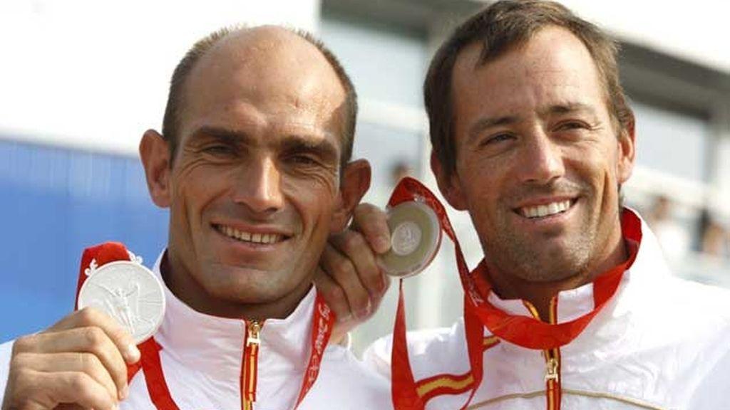 Iker Martínez y Xabier Fernández ganan con polémica la plata olímpica en vela