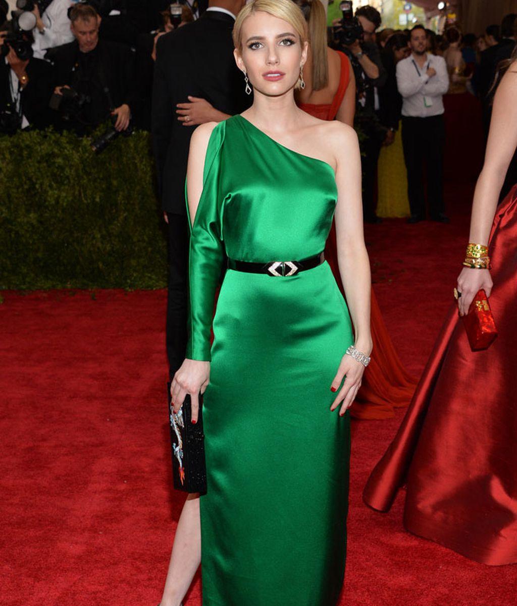 Emma Roberts vestida de Ralph Lauren