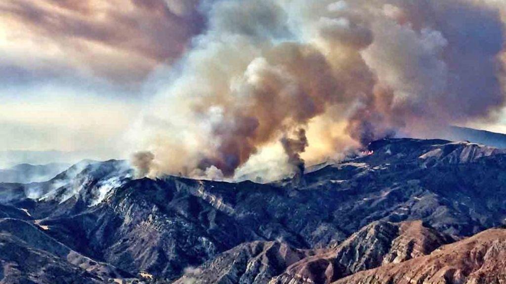 Incendio en el bosque nacional de California Los Padres