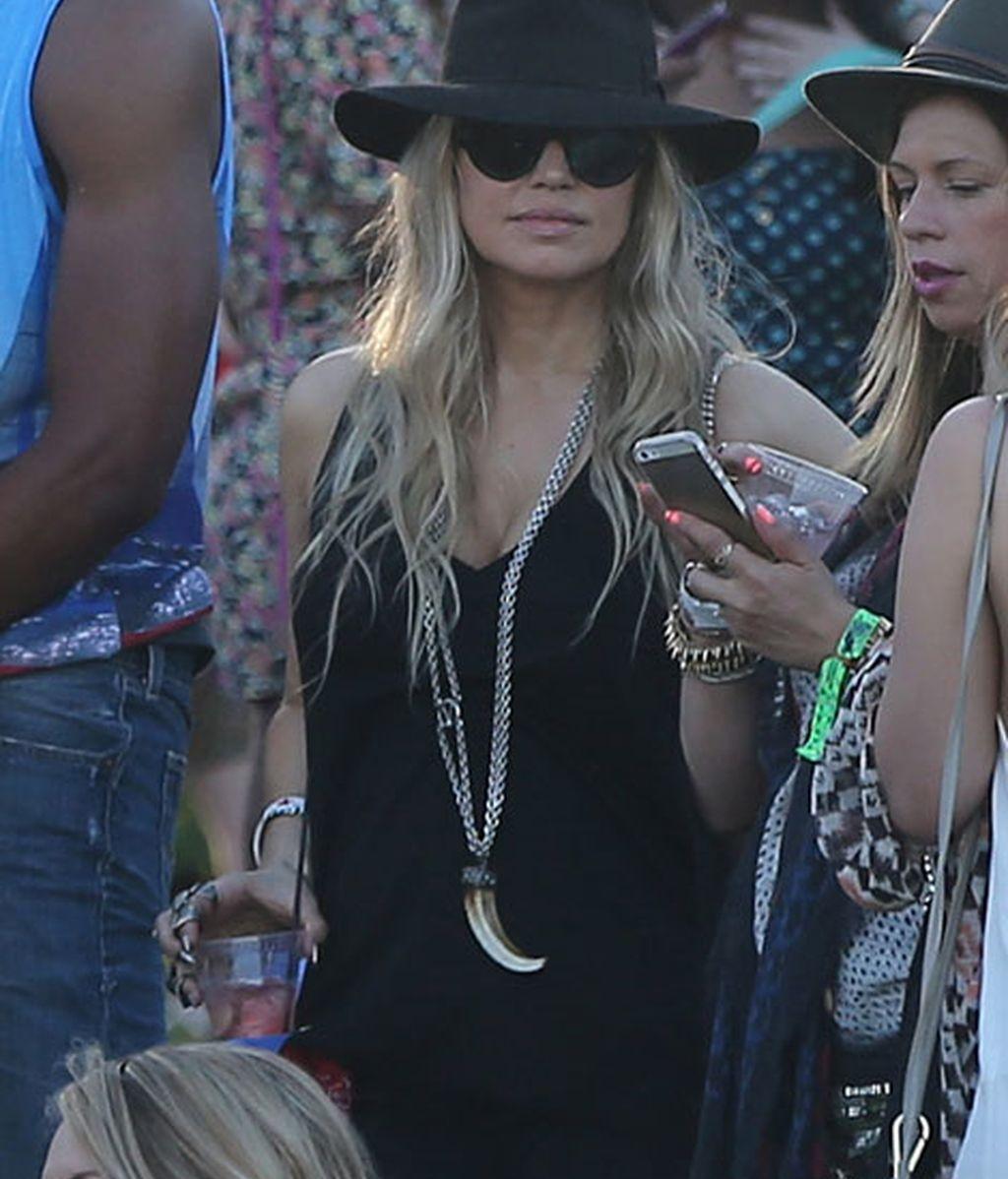 La cantante Fergie con 'total look' negro