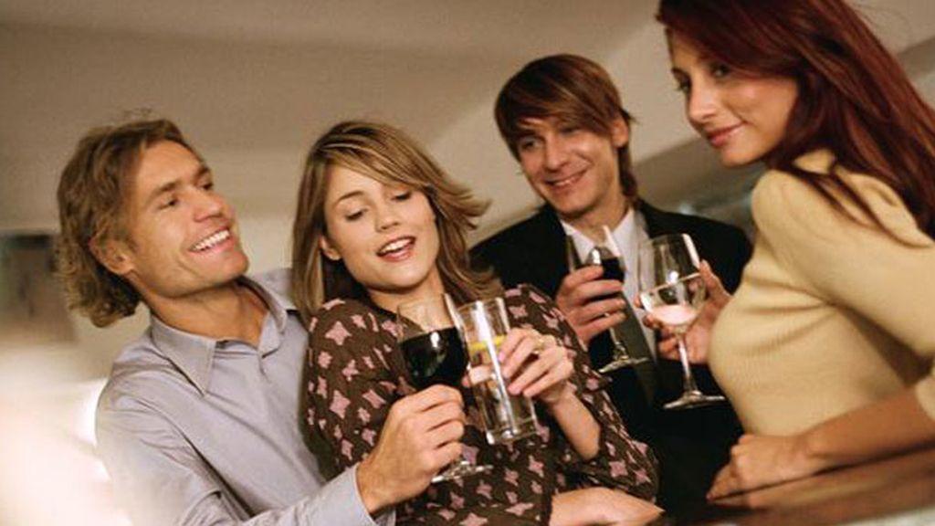 Los solteros, propensos a beber más y con mayor frecuencia que los casados