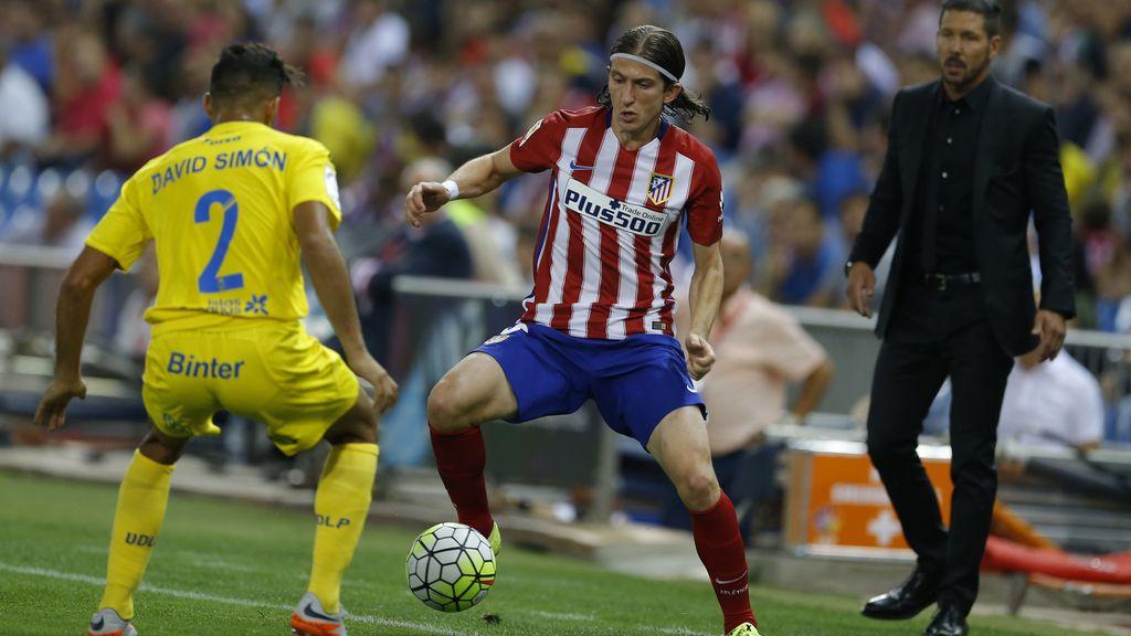 Filipe Luis no entra en la convocatoria del Atlético para viajar a Sevilla