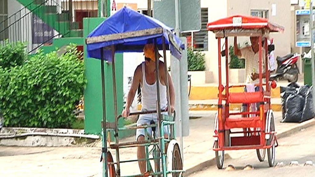Moverse en estos curiosos carritos es lo más típico en las calles de México