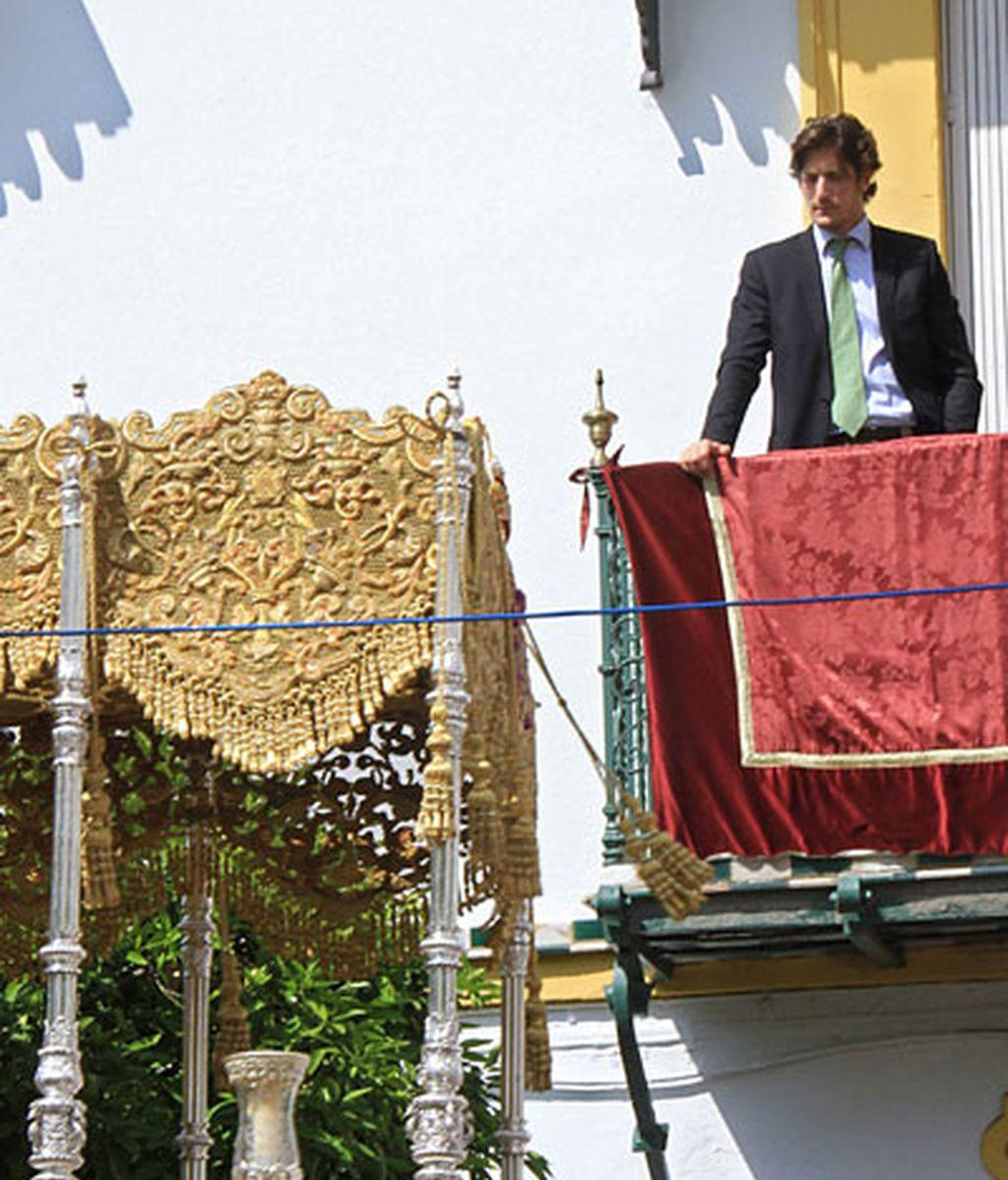 Luis Medina, porte aristócrata en Sevilla