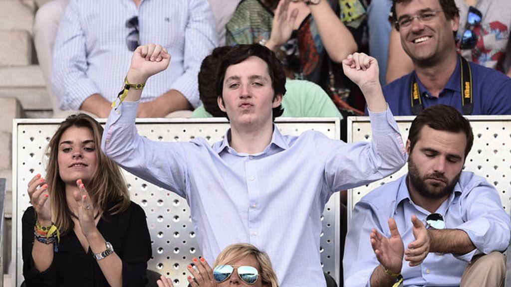 El pequeño Nicolás estuvo muy animado durante el partido