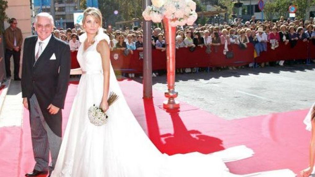 Tropiezos y tropezones en la boda de Jose María Manzanares