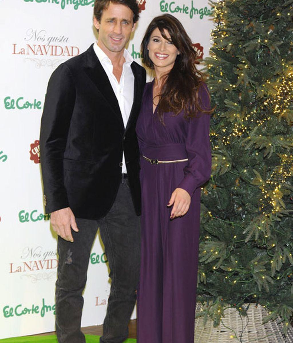 Sonia Ferrer y Álvaro Muñoz Escassi acudieron muy elegantes al evento