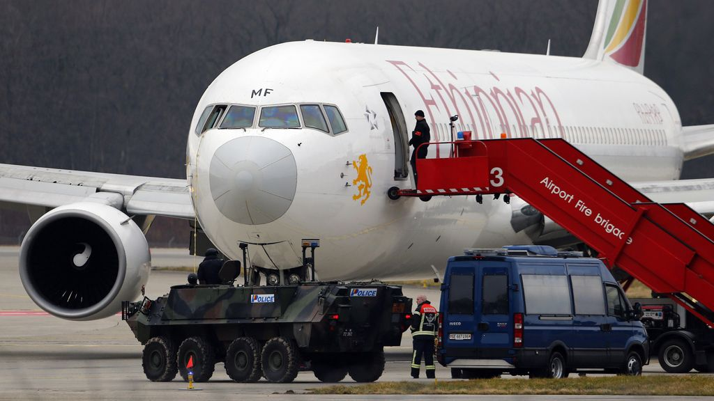El avión de Ethiopian Airlines secuestrado por su copiloto