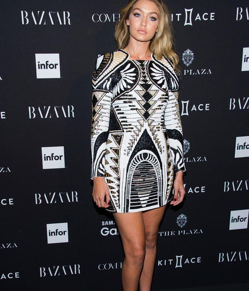 El primer modelo low cost de Balmain lo lució Gigi Hadid