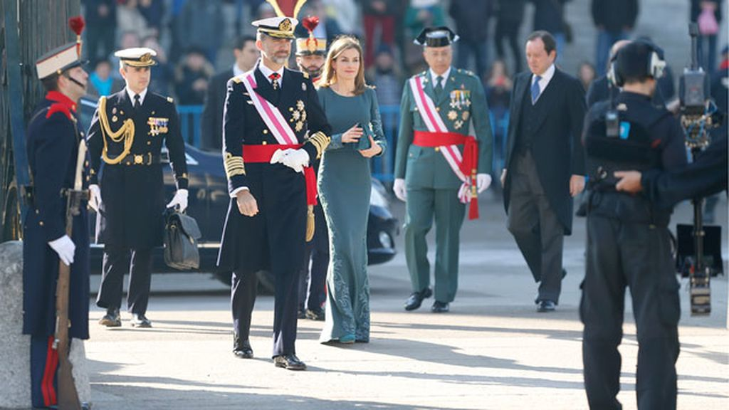 """Rinde homenaje a Don Juan Carlos por la """"gratitud y respeto que merece"""""""