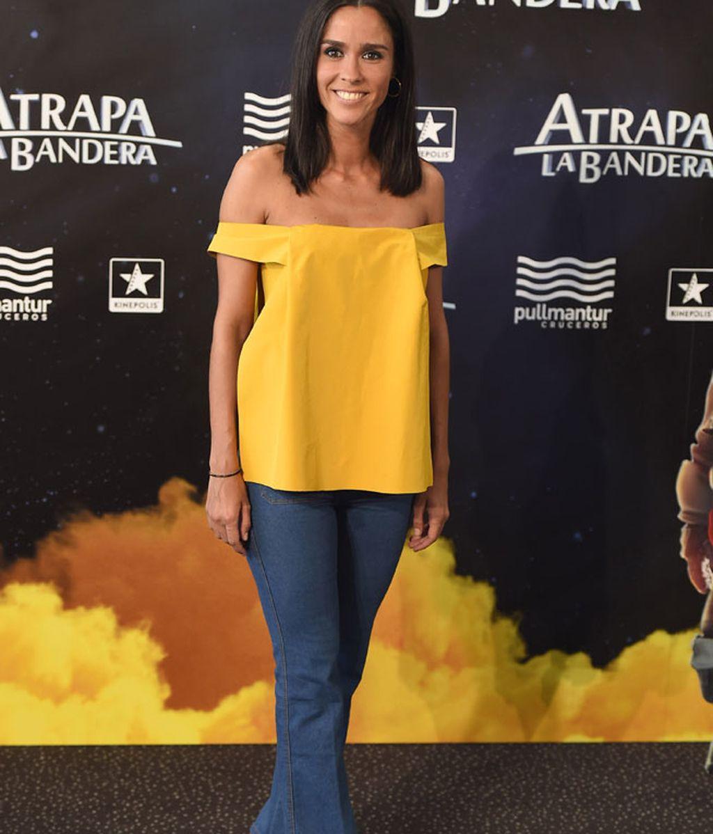 El escote amarillo y de corte 'bardot' de Alba Lago