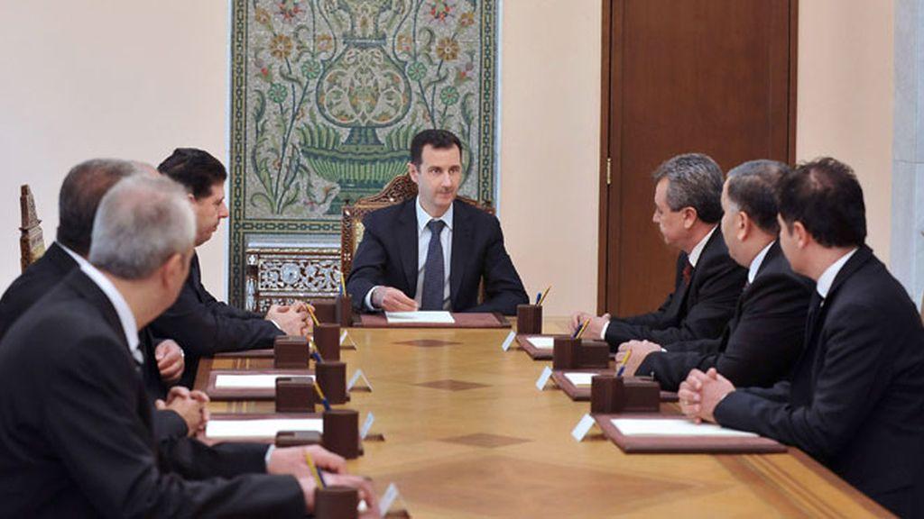 """Al Assad dice que las acusaciones sobre armas químicas son de """"carácter político"""""""