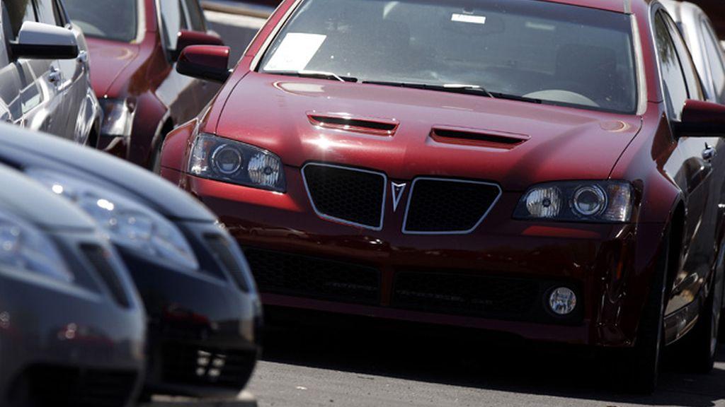 Imagen de un Pontiac en un concesionario en EEUU