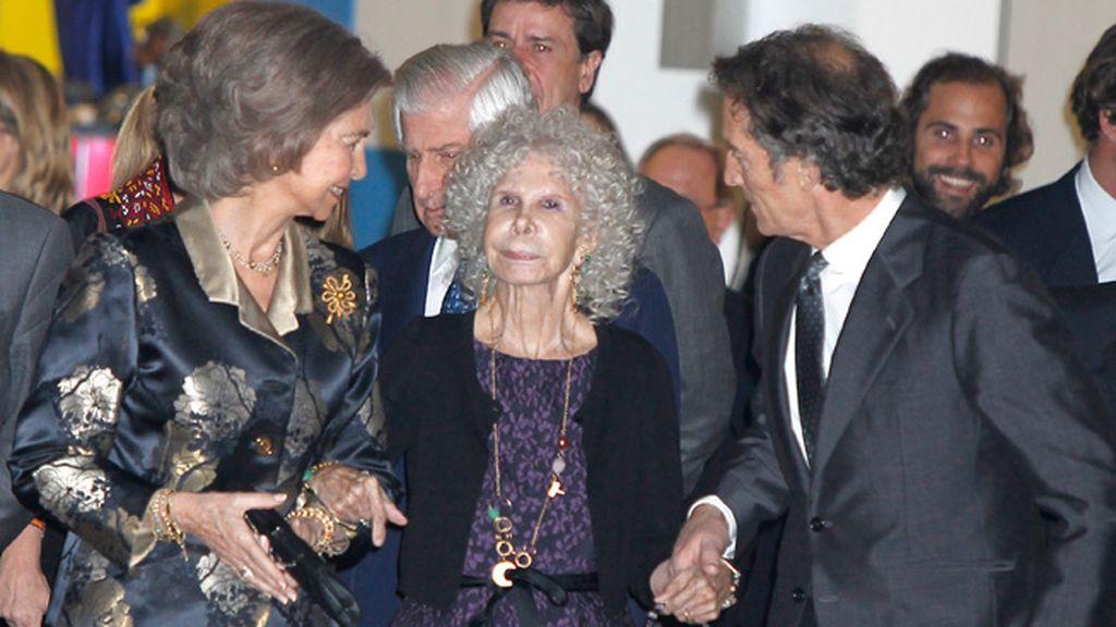 Alfonso Díez, atento a su esposa