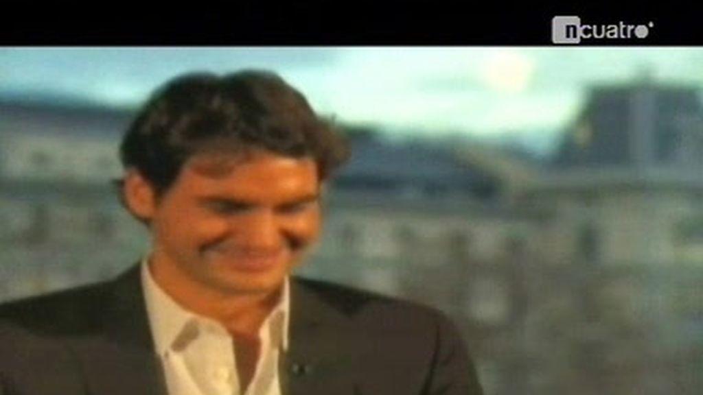 Federer se parte de risa