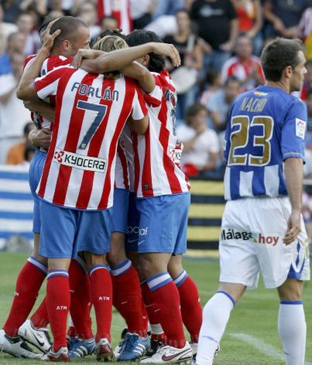 Goleada y liderato en el Calderón