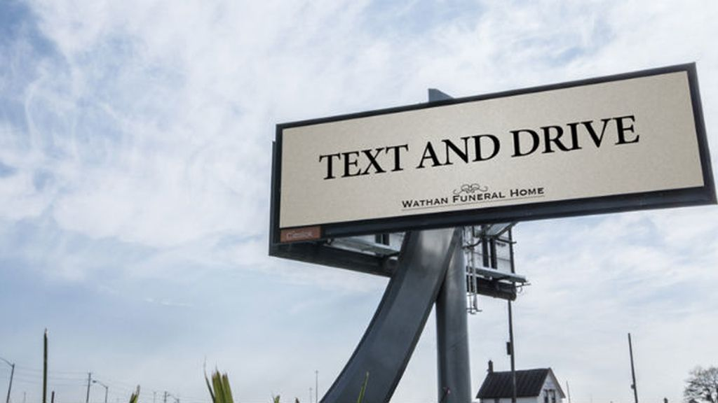 Text and drive valla publicitaria