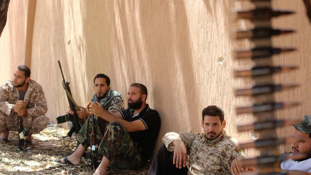 Soldados en zona de conflicto