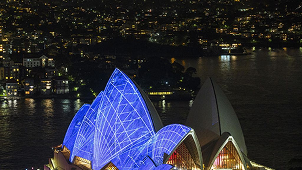 El Sydney Opera House se viste de azul