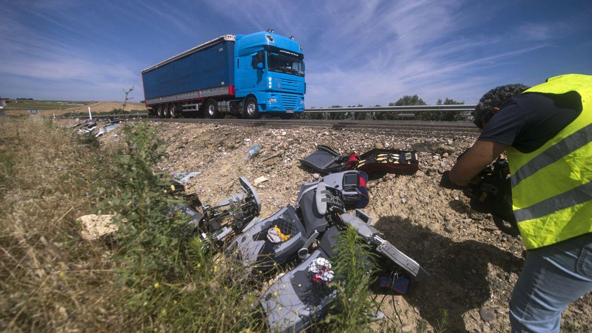 Dos personas fallecen y otras 46 resultan heridas en un grave accidente en la A-4