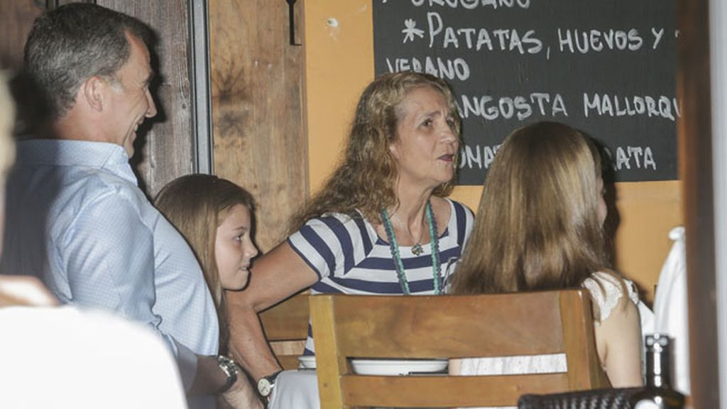 La infanta Cristina, Iñaki Urdangarín y sus hijos, los únicos ausentes