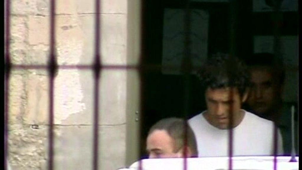 El agresor del profesor Neira, en libertad bajo fianza
