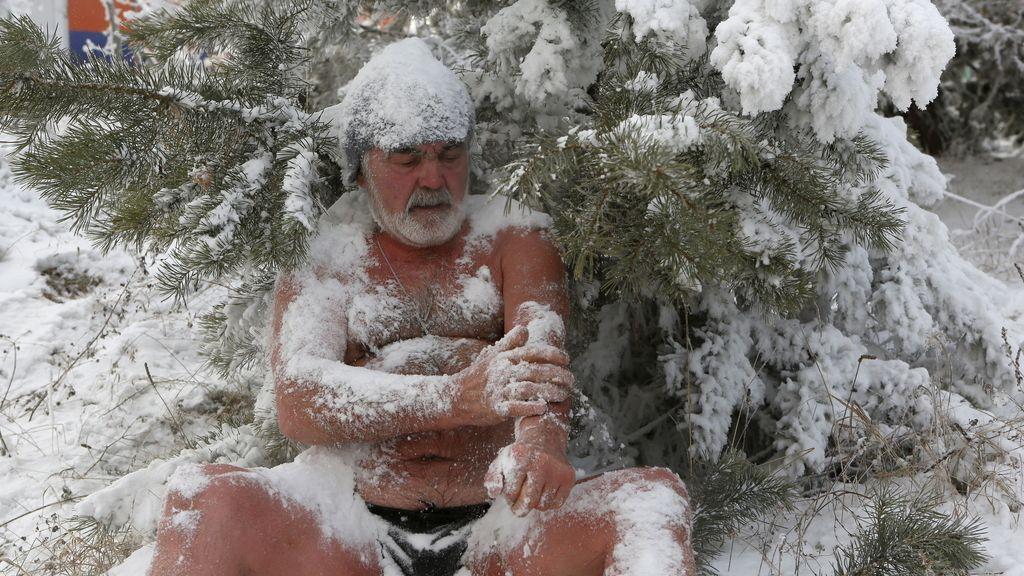 Un baño a menos 27 grados para empezar bien el día (07/01/2016)