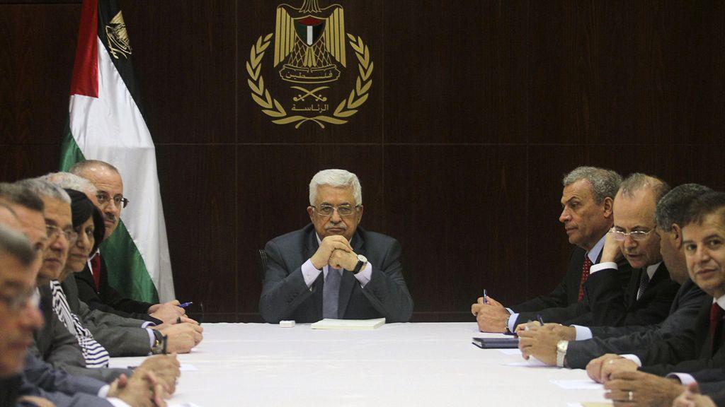 Mahmoud Abbas, presidente palestino, se reúne con su gabinete