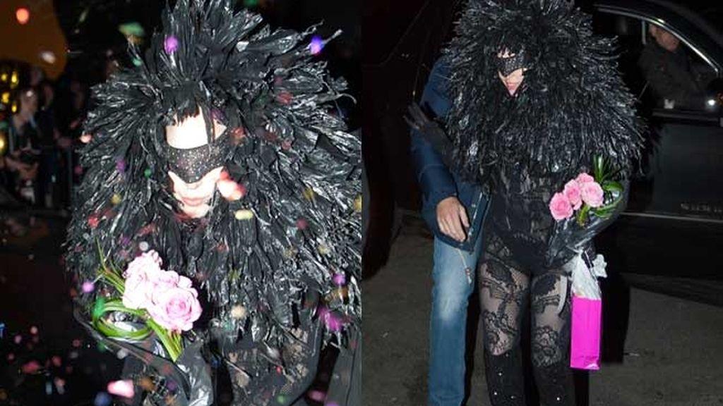 Lady Gaga sorprende con un nuevo y estrambótico look