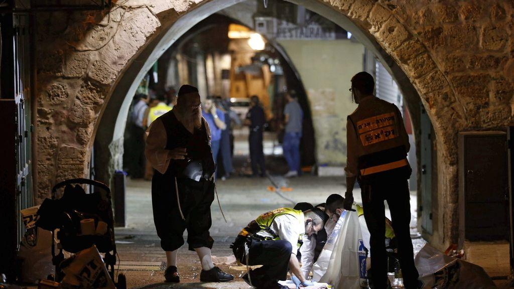 Mueren dos israelíes a manos de un palestino
