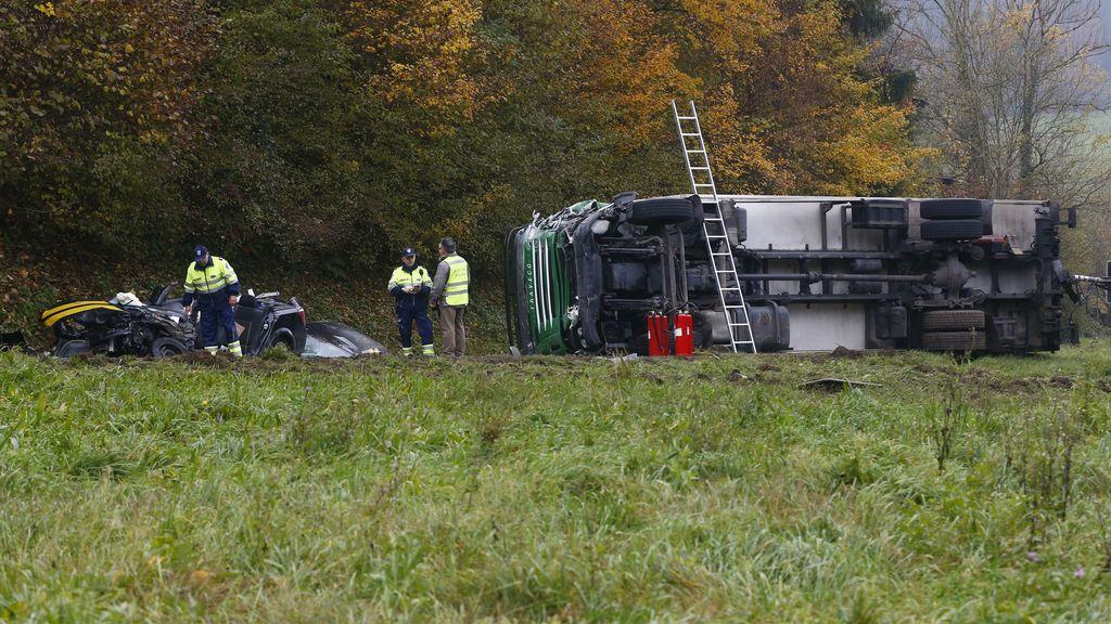 Varios muertos y heridos en un choque de un camión, un autobús y un coche en Suiza