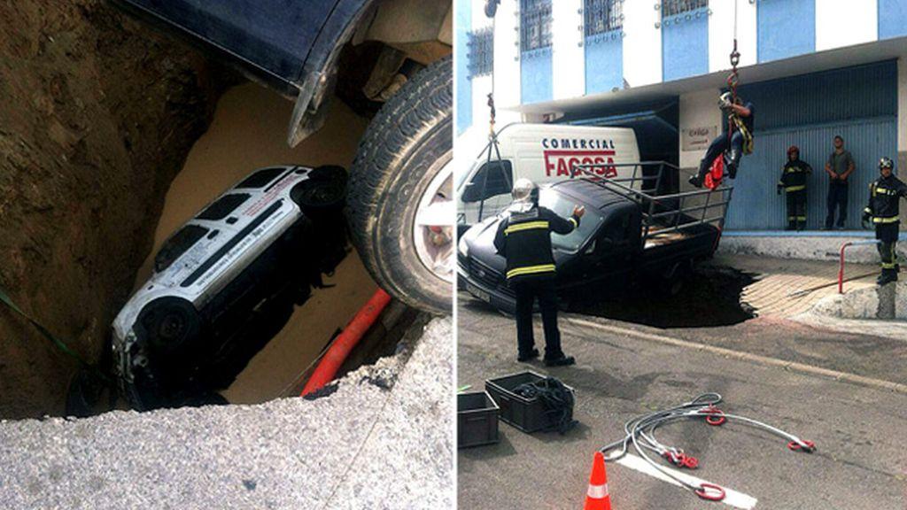 Un hombre herido grave tras caer su coche a un socavón en Las Palmas
