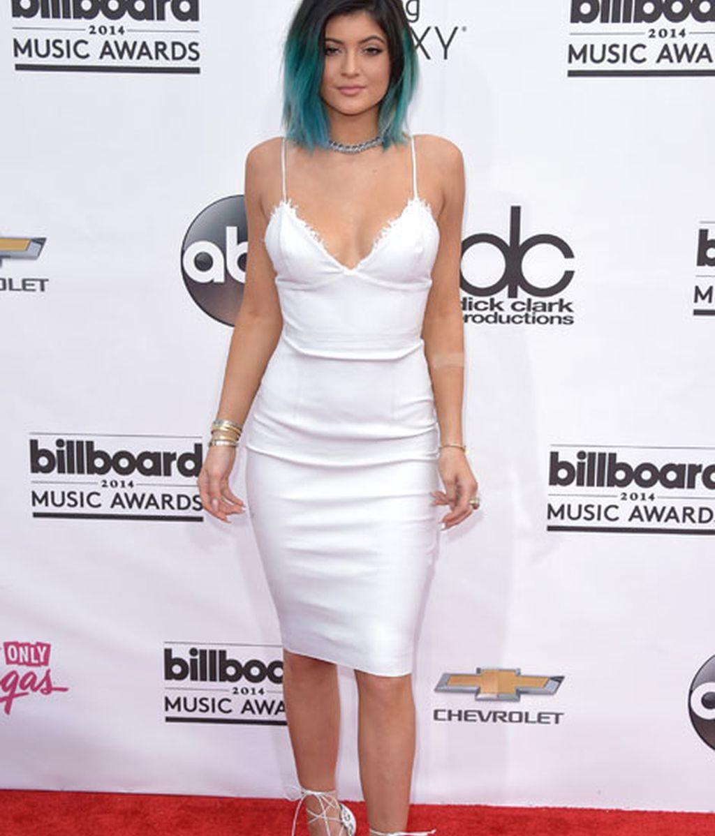 Kylie Jener, hermana de Kendrall, con mechas verdes