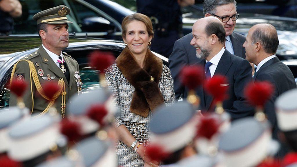 La Infanta Elena, fuera de la Tribuna Real