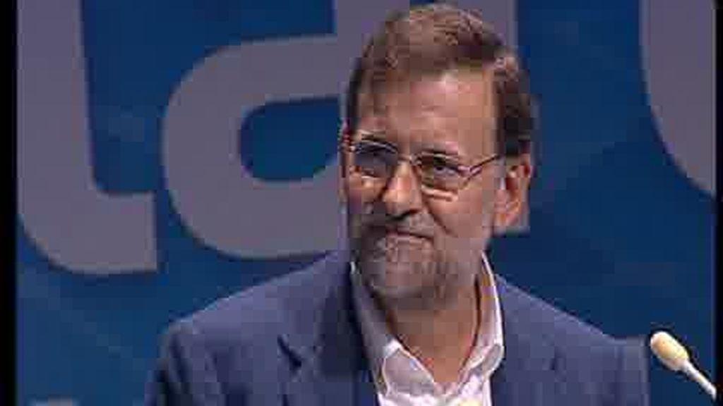 """Rajoy espera """"que el Gobierno se vaya pronto"""""""