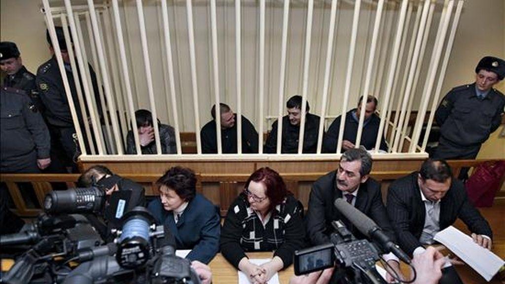 Vista general de la primera jornada del juicio por el asesinato de la periodista rusa Anna Politkóvskaya, que comenzó el 19 de noviembre en Moscú, Rusia. EFE/Archivo