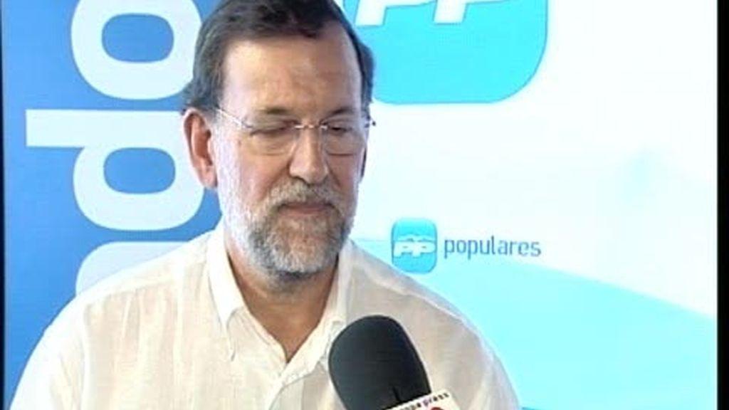 Rajoy defiende a Aznar