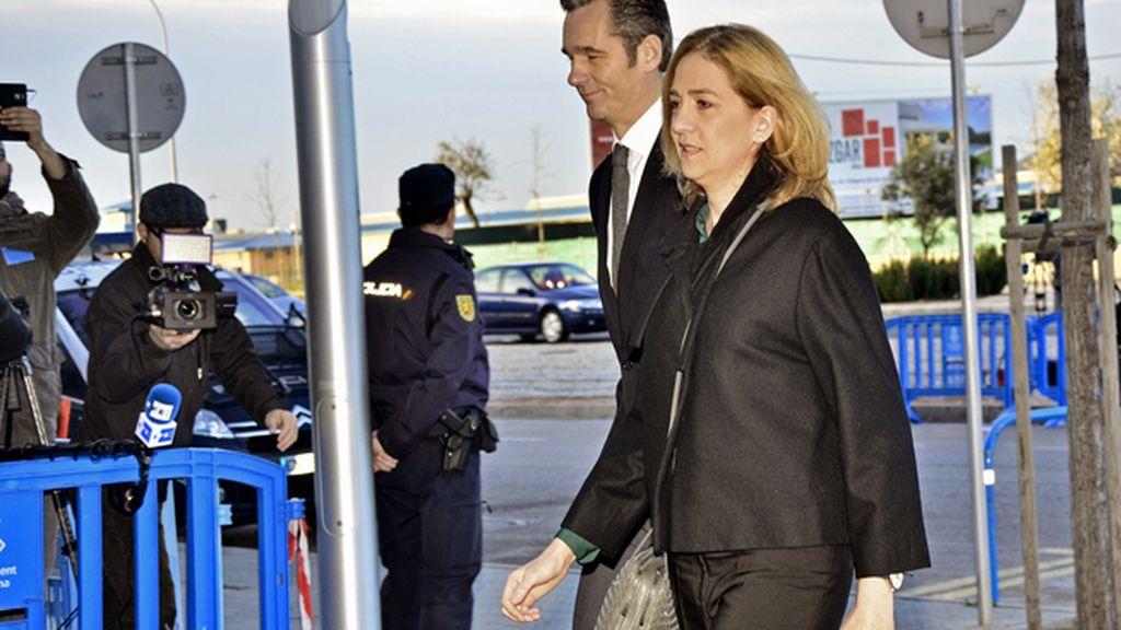 La Infanta Cristina y Urdangarin acuden a declarar por el caso Nóos