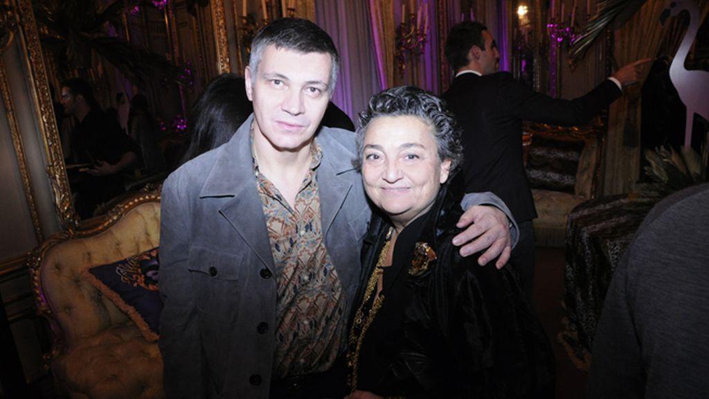 Juan Sánchez junto a la diseñadora Elena Benarroch