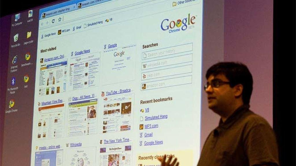 Un ingeniero de Google introduciendo el nuevo navegador web de la compañía