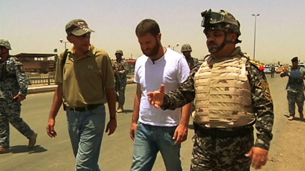David Beriain, reportero de REC, trabaja sobre el terreno