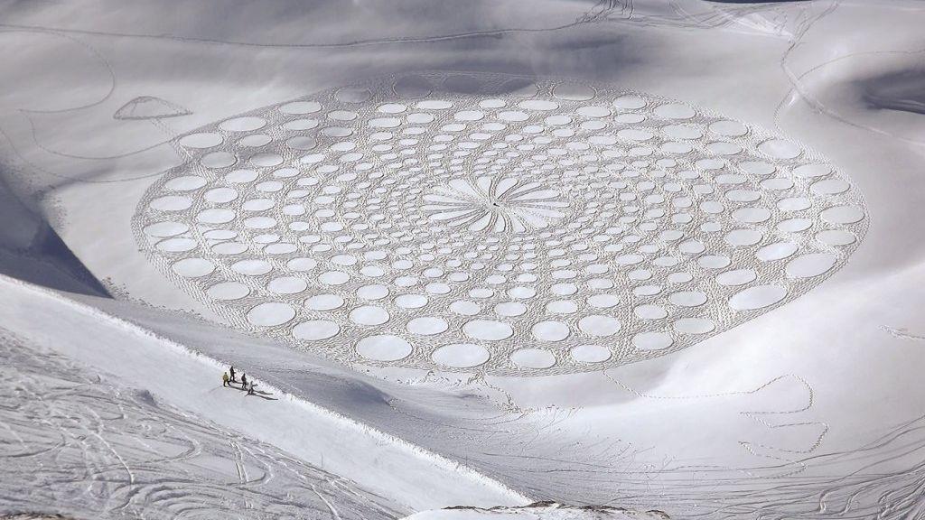 Inmensas obras de arte en la nieve