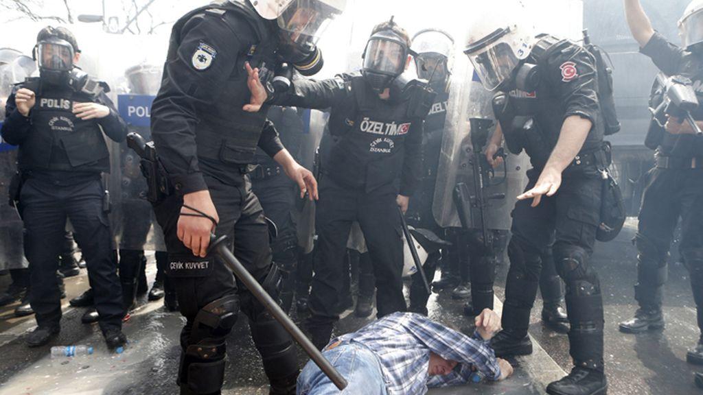 Manifestaciones en Estambul por el Día Internacional del Trabajador