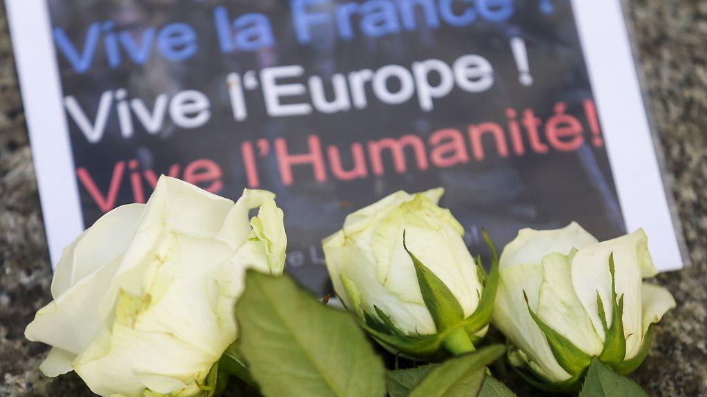 Apoyo tras los atentados terroristas en París