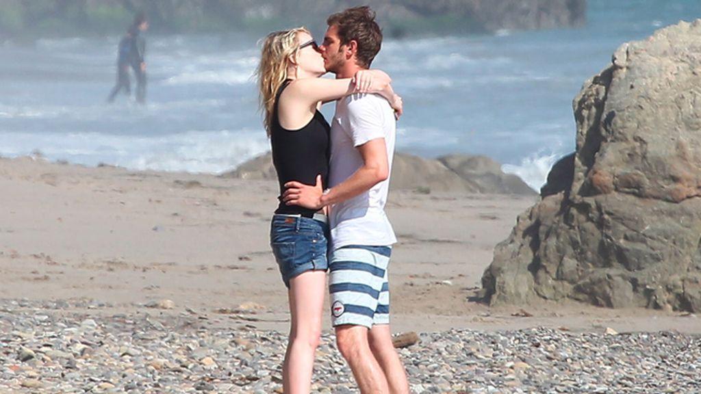 Emma Stone se divierte con su chico en Malibú