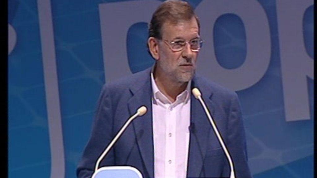 """Rajoy:""""Zapatero  ha iniciado la legislatura como los malos defensas, pegando patadas"""""""